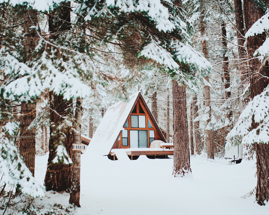 Home in the snow. by Berty Mandagie on 500px.com