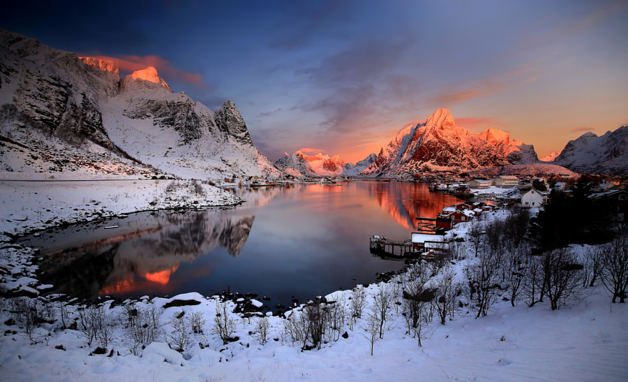 Reine at sunrise by Russo Francesco - f r p i x . c o m on 500px.com