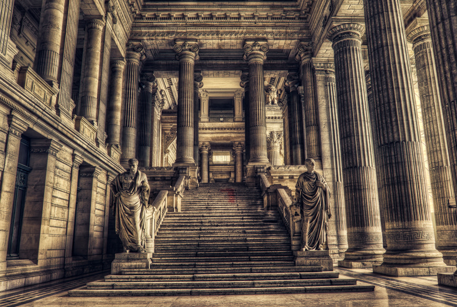 Photograph the Emperor is dead by Max Vysota on 500px