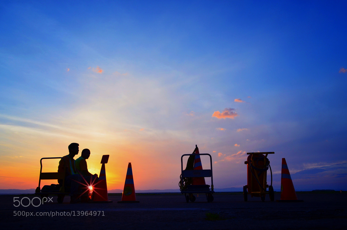 Photograph Waiting for the morning flight to arrive by Vey Telmo on 500px