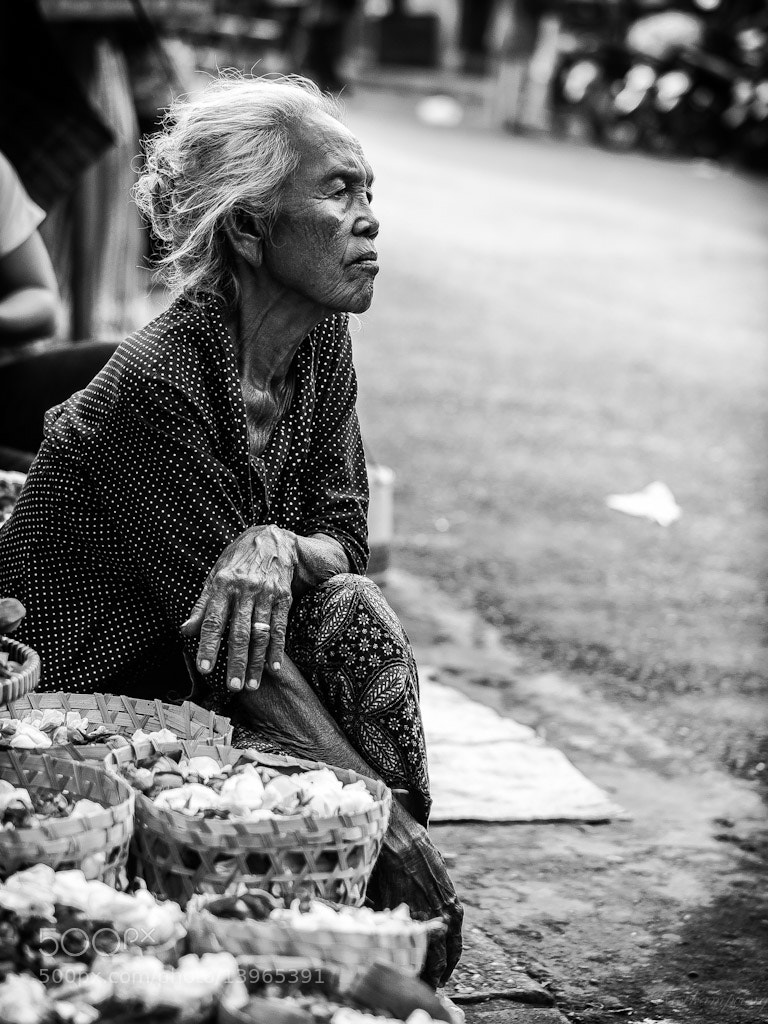 Photograph Daydreaming ( Waiting For Buyers ) by Rose Kampoong on 500px