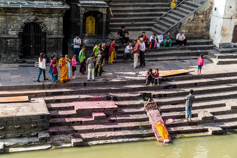 Funeral at Pashupatinath temple by Pavel Volkov on 500px.com
