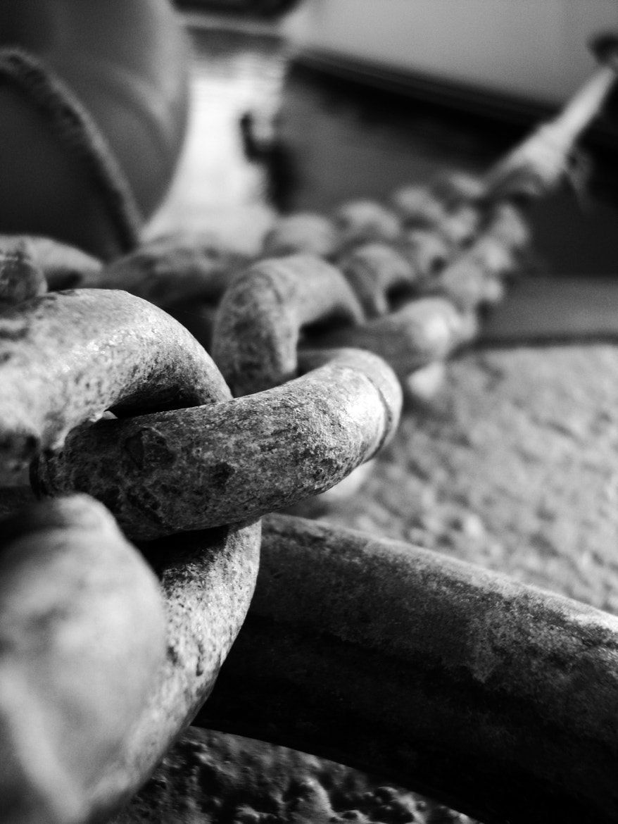 Photograph Free Chain by Tolgakavascreative  on 500px