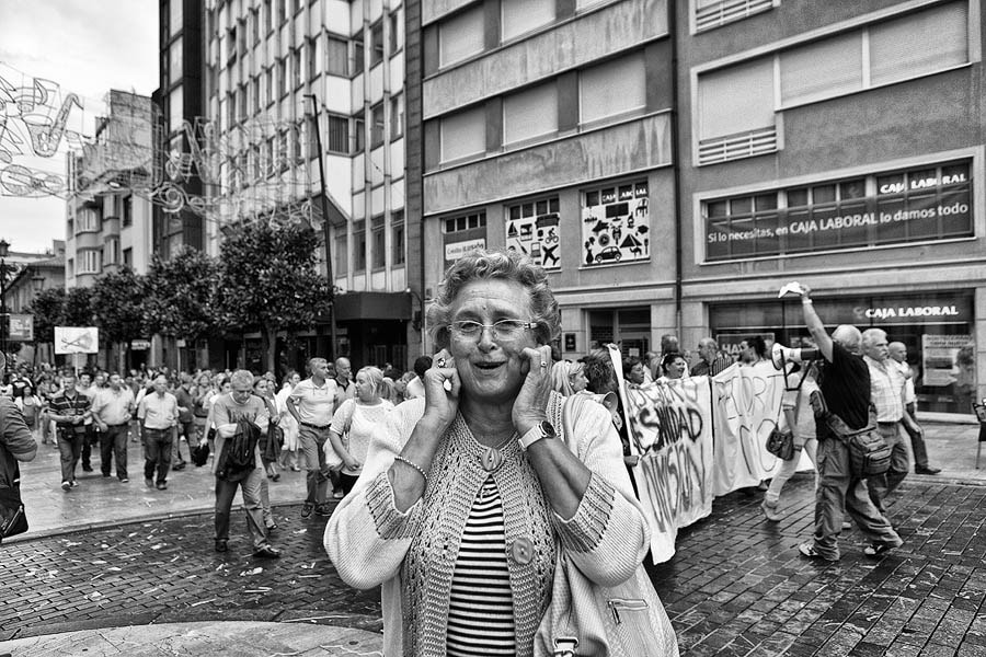 Photograph 20 days of conflict in the street by Lujó Semeyes on 500px
