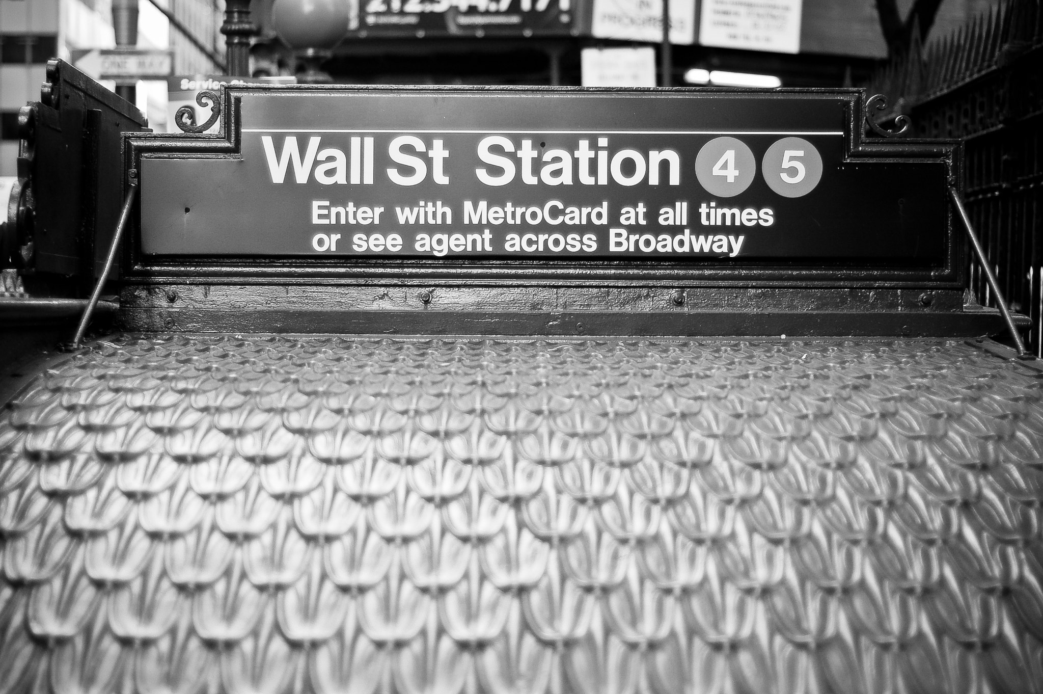 Photograph A Wall for the Metro? by Gustavo Mondragon on 500px