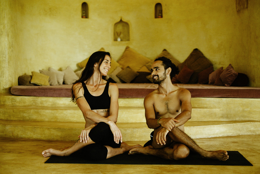 Love, connection, yoga by Artem Zhushman on 500px.com
