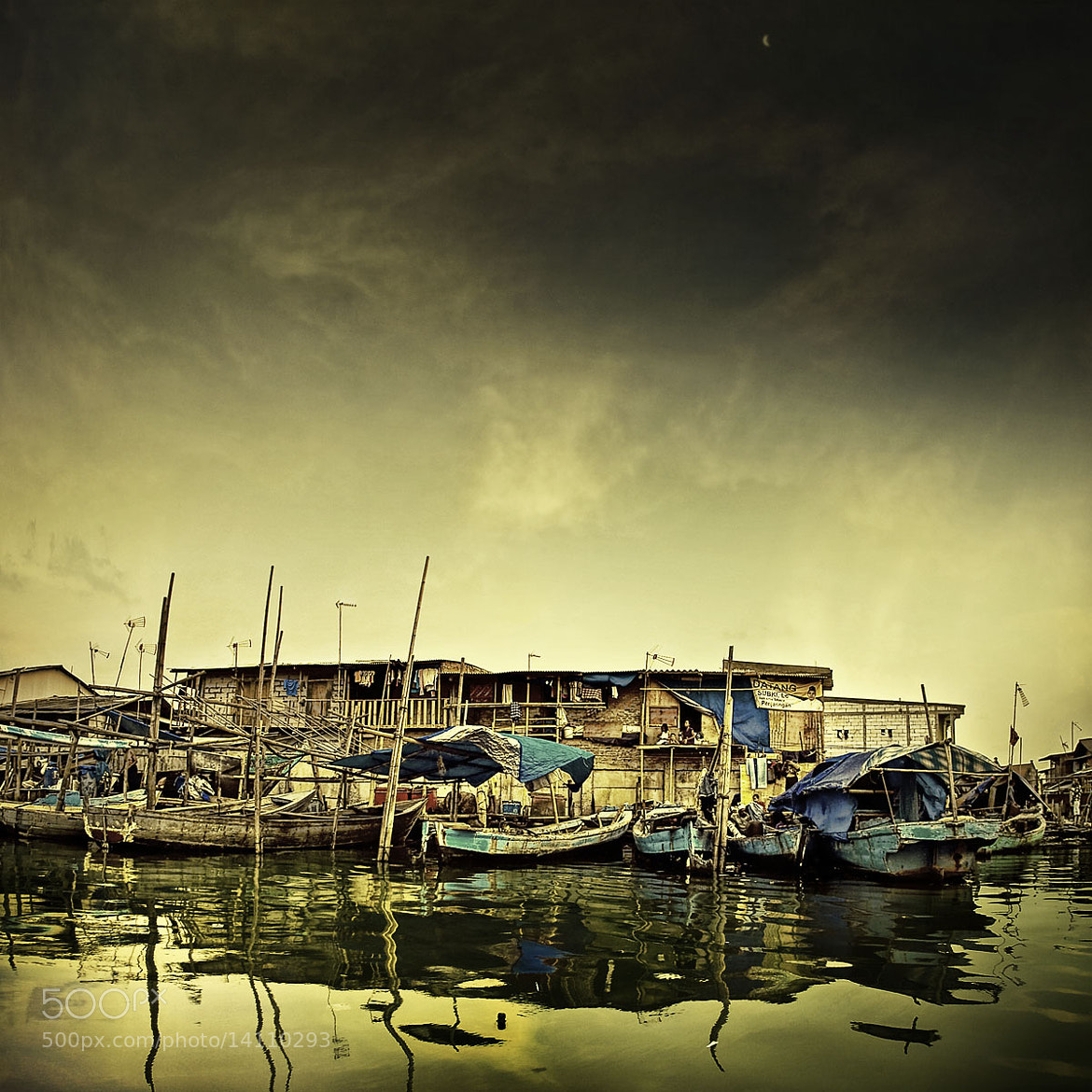 Photograph SLUM by Reza Ravasia on 500px