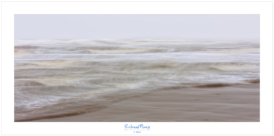 Waves by Richard Paas on 500px.com