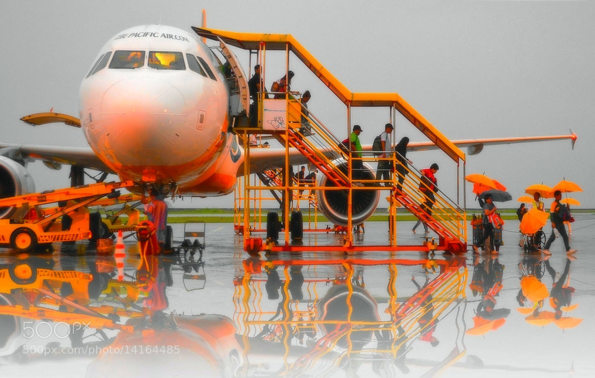 Photograph One rainy morning at the airport tarmac. by Vey Telmo on 500px