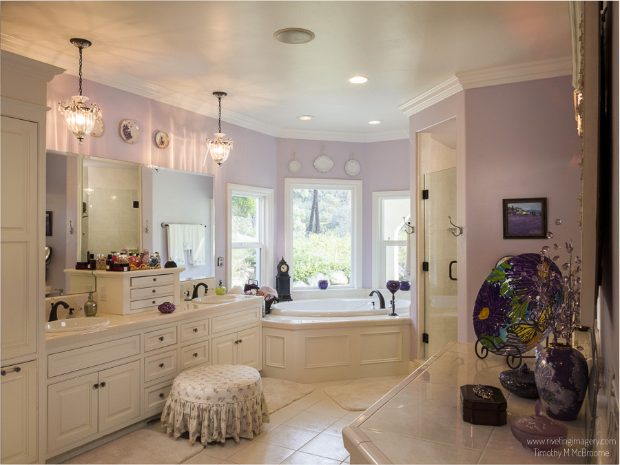 Master Bath - Real Estate Photography Tim McBroome Redding Shasta County California