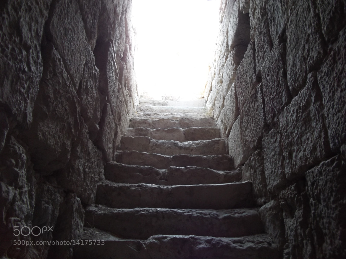 Photograph the stairs of light  by Hussam Qteishat on 500px
