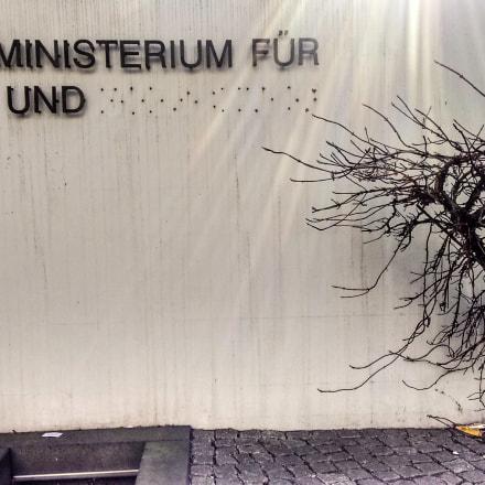 Bundesministerium für B...... und .....