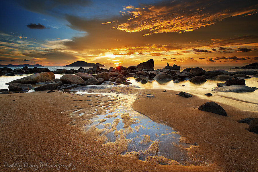Photograph Light Reflection by Bobby Bong on 500px
