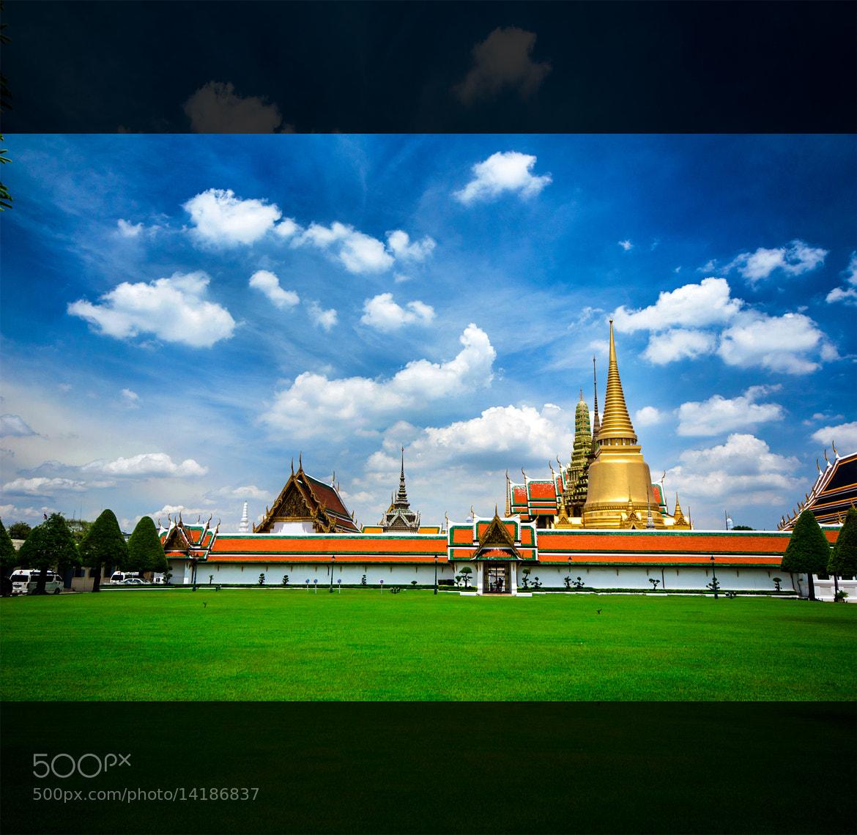 Photograph Grand Palace by Siwakorn Punyawatthananukool on 500px