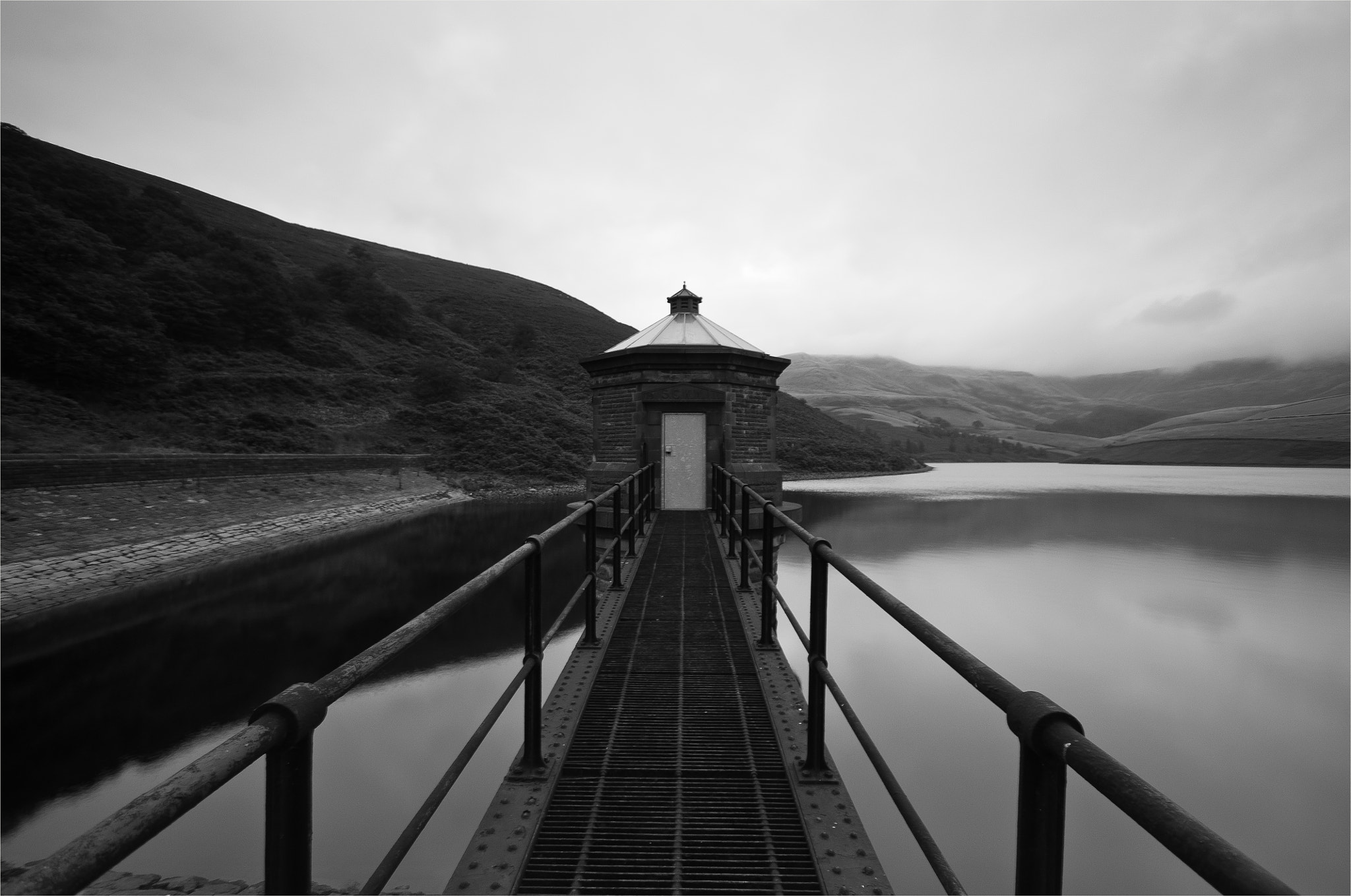 Photograph Kinder Scout Reservoir by Damian Shooter on 500px