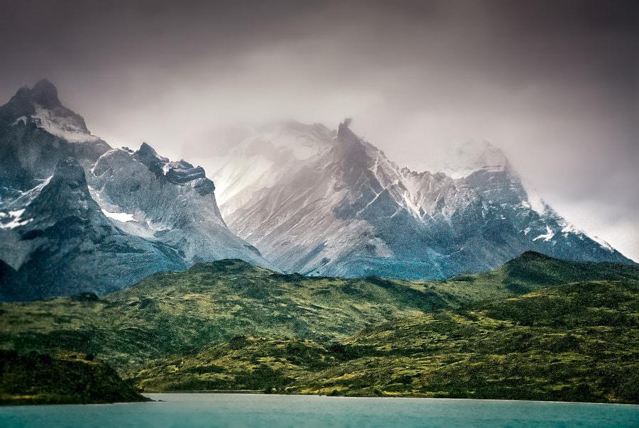 Lago Peohe - Patagonia, Chile
