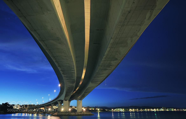 Photograph Debajo del puente by César Comino García on 500px
