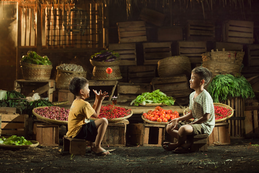 Photograph in the Market by Erwin Lee on 500px