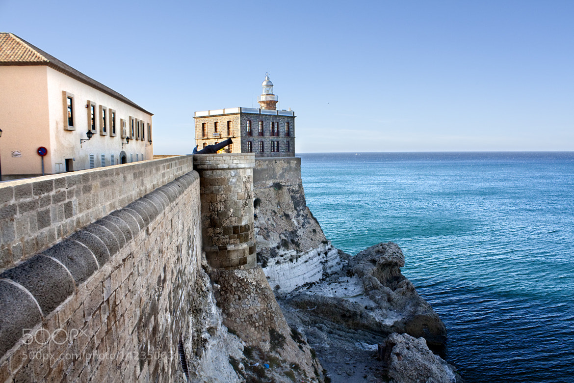 Photograph La fortaleza y el mar by Jesús Sánchez Ibáñez on 500px