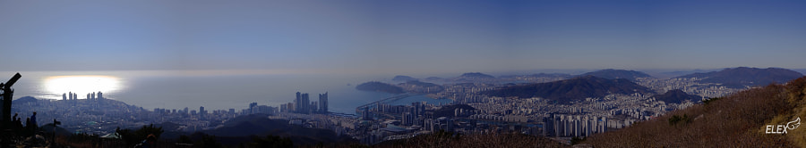 Panoramic Cityscape from a mountain: 500px.com의 Elex