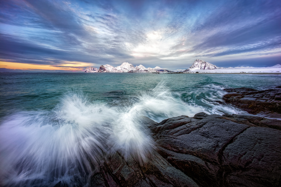 Arctic Splash by Hans-Peter Deutsch on 500px.com