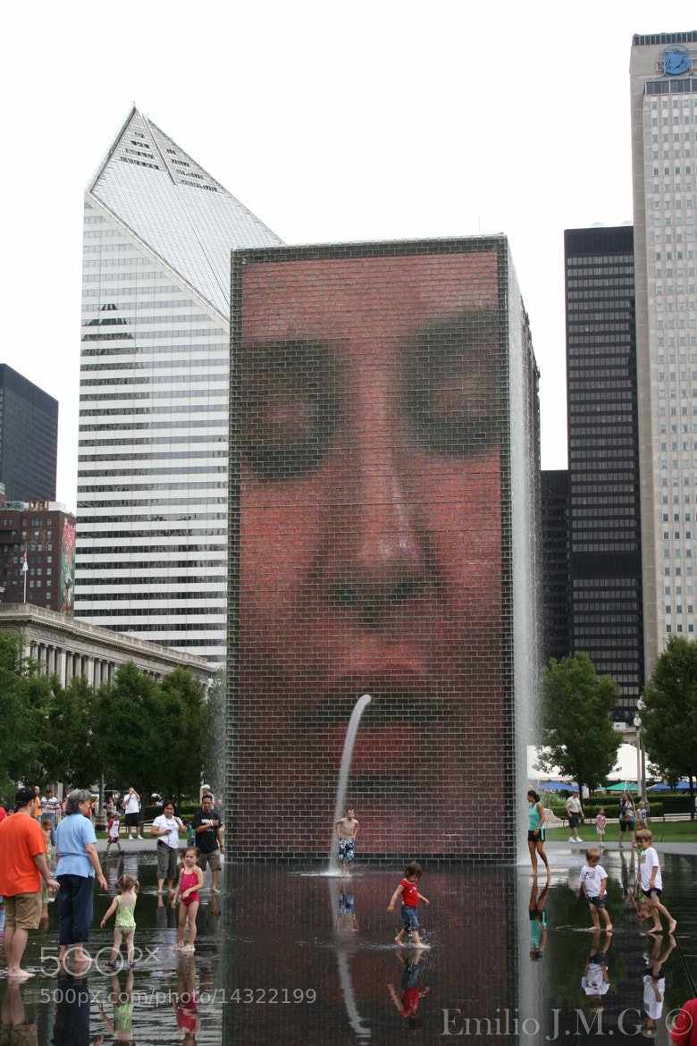 Photograph Crown Fountain by Emilio J. Macías González on 500px