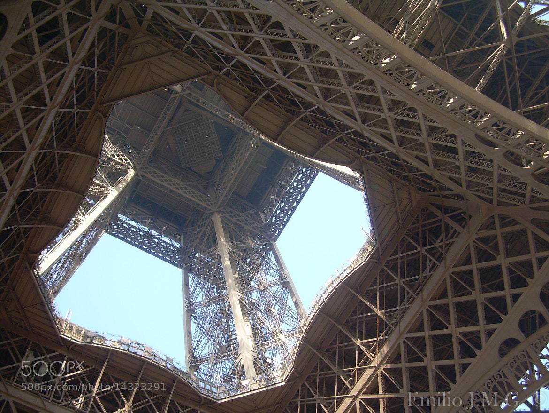 Photograph Tour d'Eiffel by Emilio J. Macías González on 500px