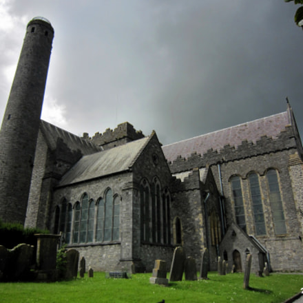 St Canice's Cathedral, Kilkenny, Canon DIGITAL IXUS 200 IS, Canon EF 28-70mm f/3.5-4.5