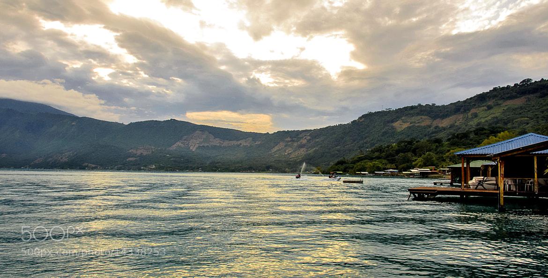 Photograph lago de coatepeque by Jorge  Pacas on 500px