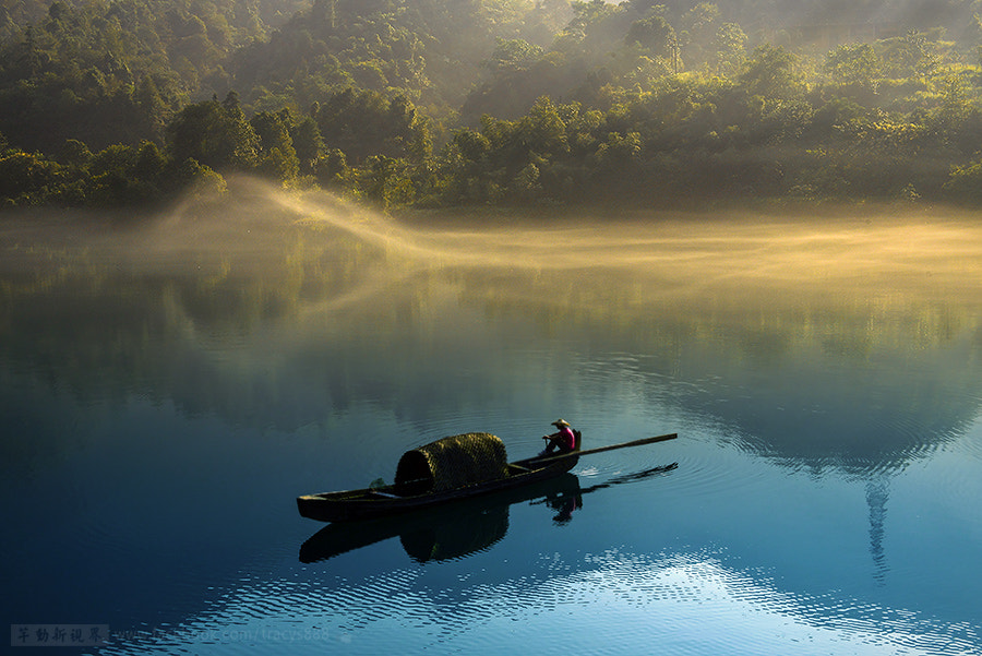 Photograph wind was blowing the mist by 芊芊 劉 on 500px