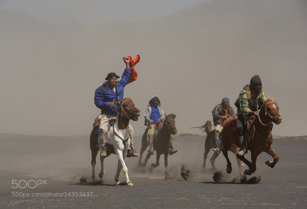 Photograph horse riders of bromo by hamni juni on 500px