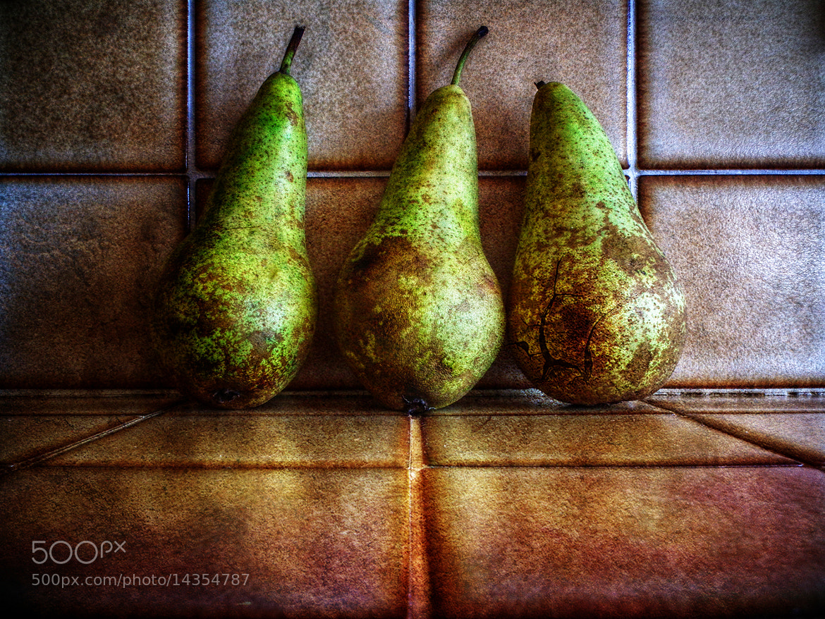 Photograph Nice Pear by Link Bekka on 500px