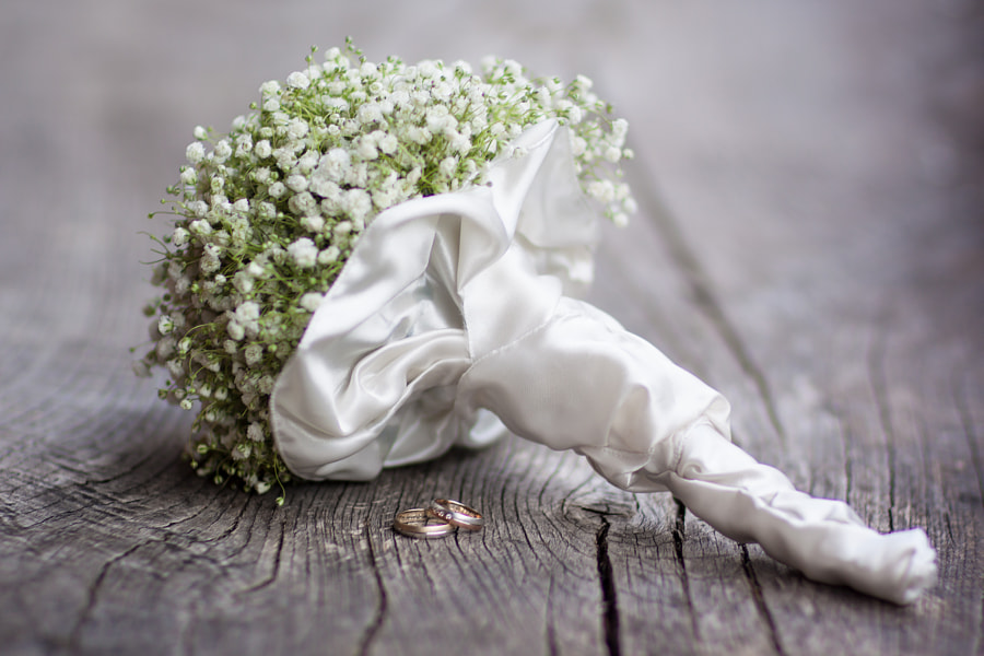 Wedding bouquet and rings. by Matej Kastelic on 500px.com