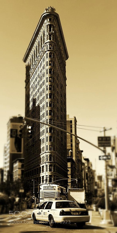 Photograph flatiron by Jorge Escobedo on 500px