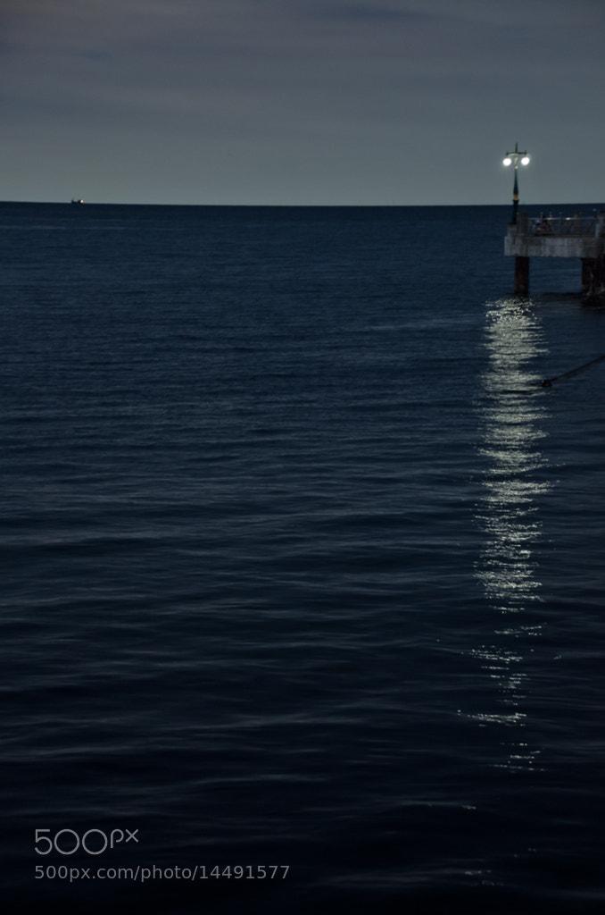 Photograph Light in the dark by Sirinun Kaewchampa on 500px