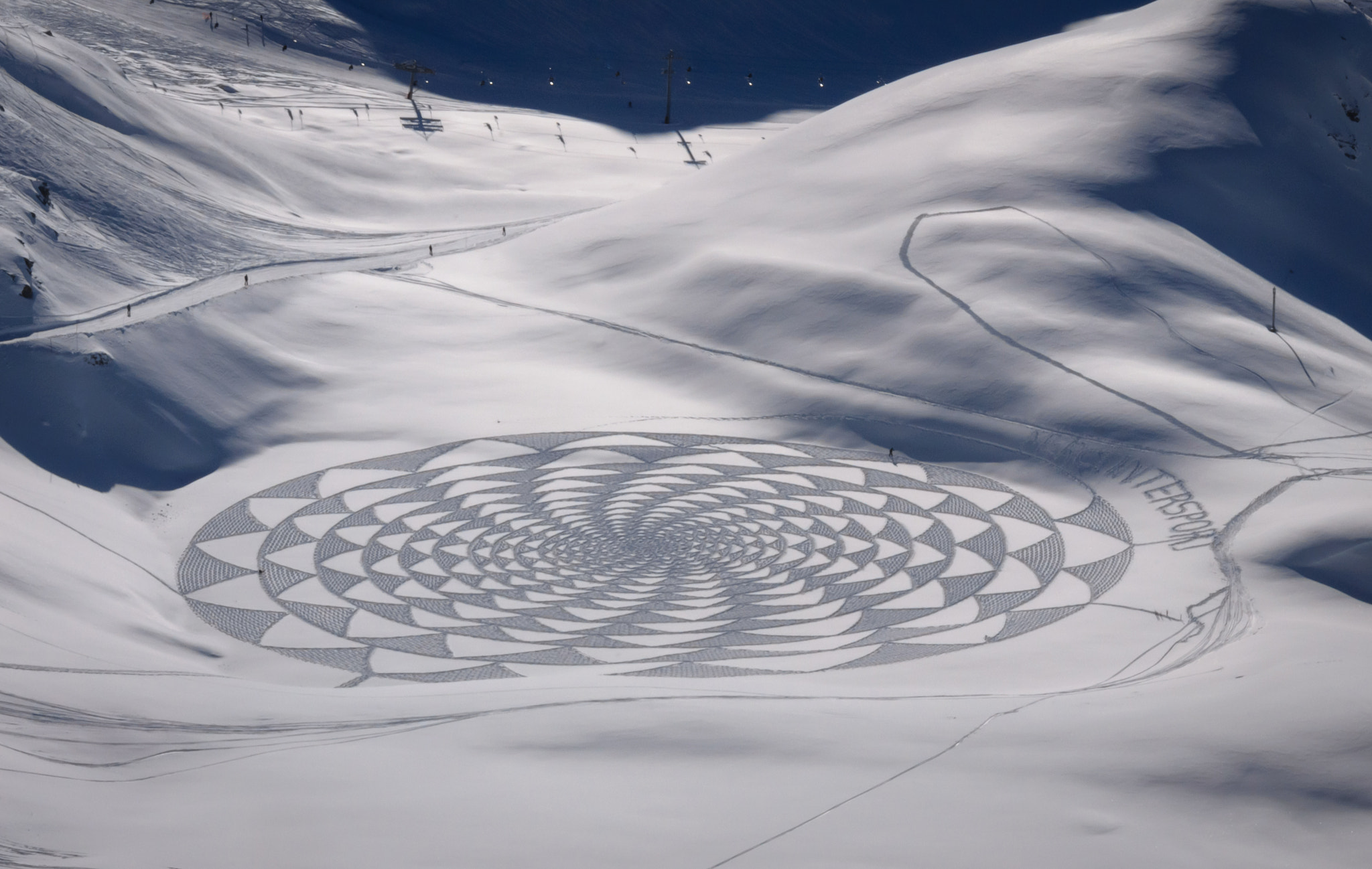 Photograph Drawing in the snow by Amandine Blanckaert on 500px