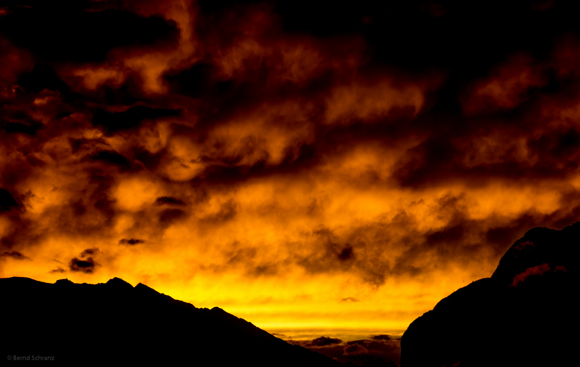 Photograph Sunset above Innsbruck by Bernd Schranz on 500px