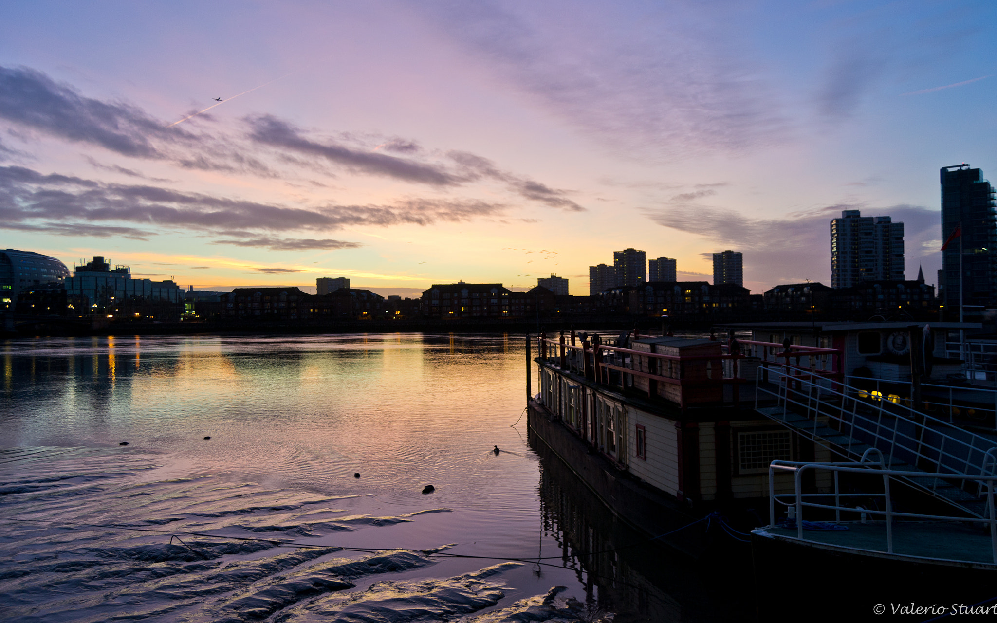 Photograph Sunrise over the Thames by Valerio Stuart on 500px