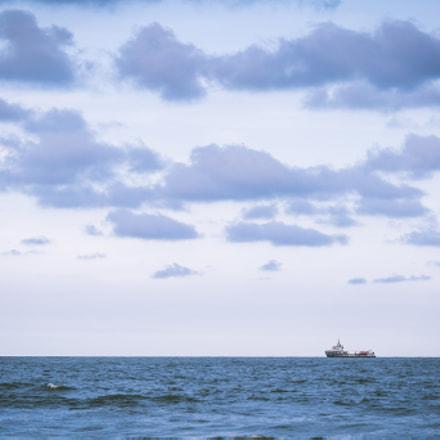 Navegando en el horizonte.