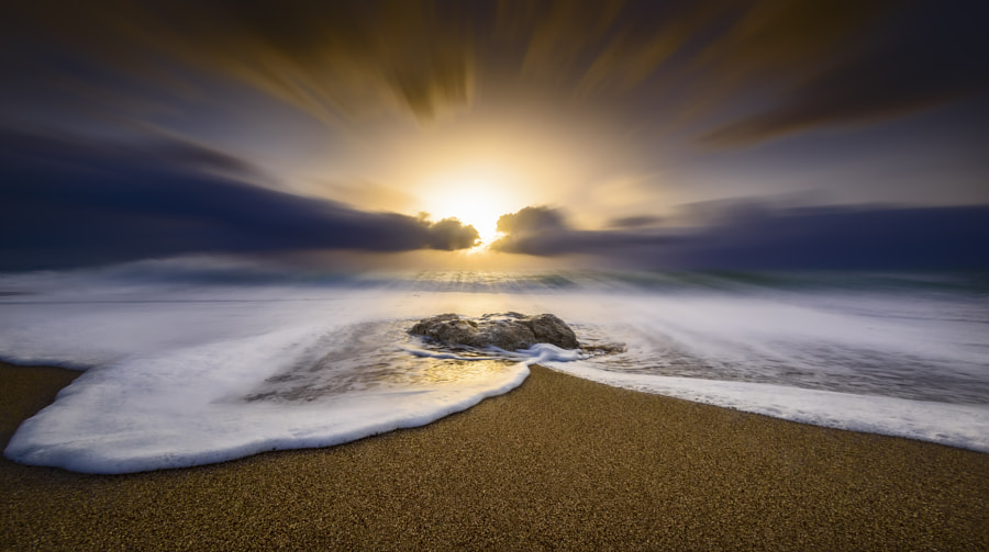The wave by panagiotis laoudiikos on 500px.com