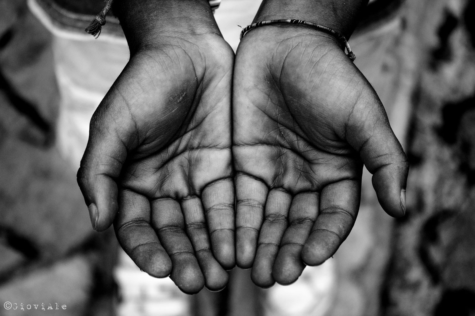 Photograph Talking hands by Giovi Ale on 500px