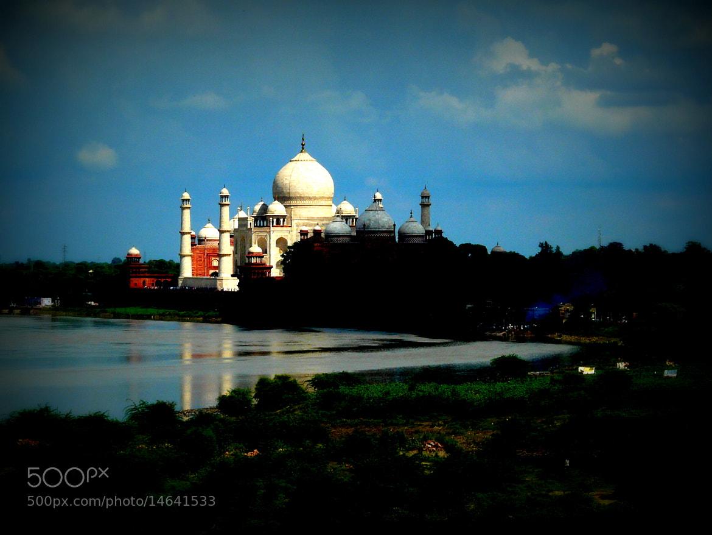 Photograph The Taj by Sankuman Baruah on 500px