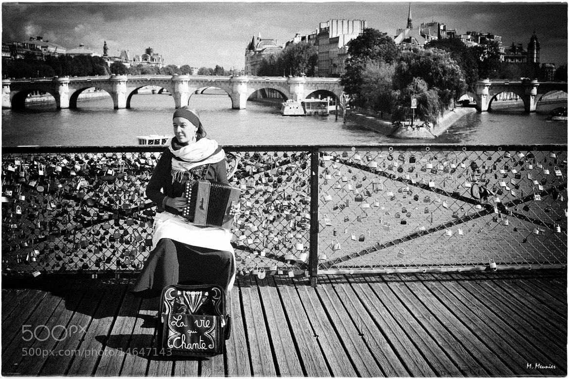 Photograph Paris - La vie qui chante by Mathieu Meunier Photographie © on 500px