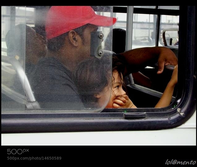 Photograph A garota no ônibus  by Lola Mento Mucho on 500px