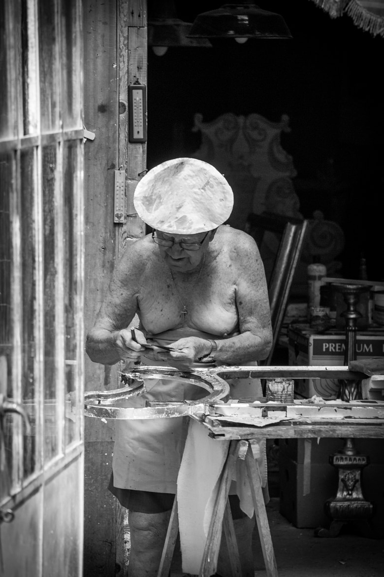 Photograph Man with Gold Hat by Giuseppe Muccioli on 500px