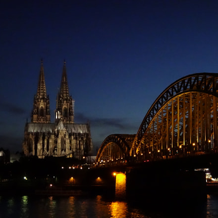 Cologne at night, Sony DSC-TX200
