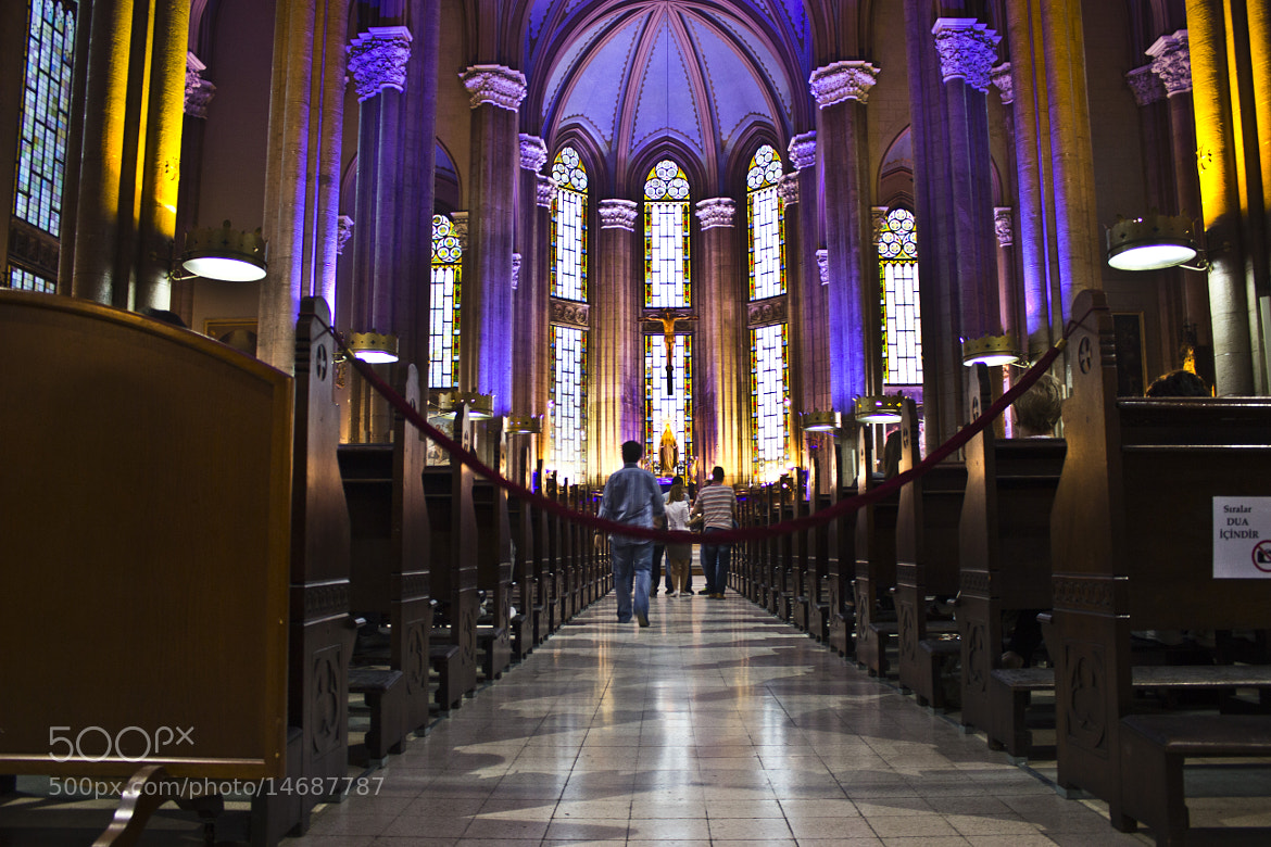 Photograph Enter to the alter by Mohanad Lateef on 500px