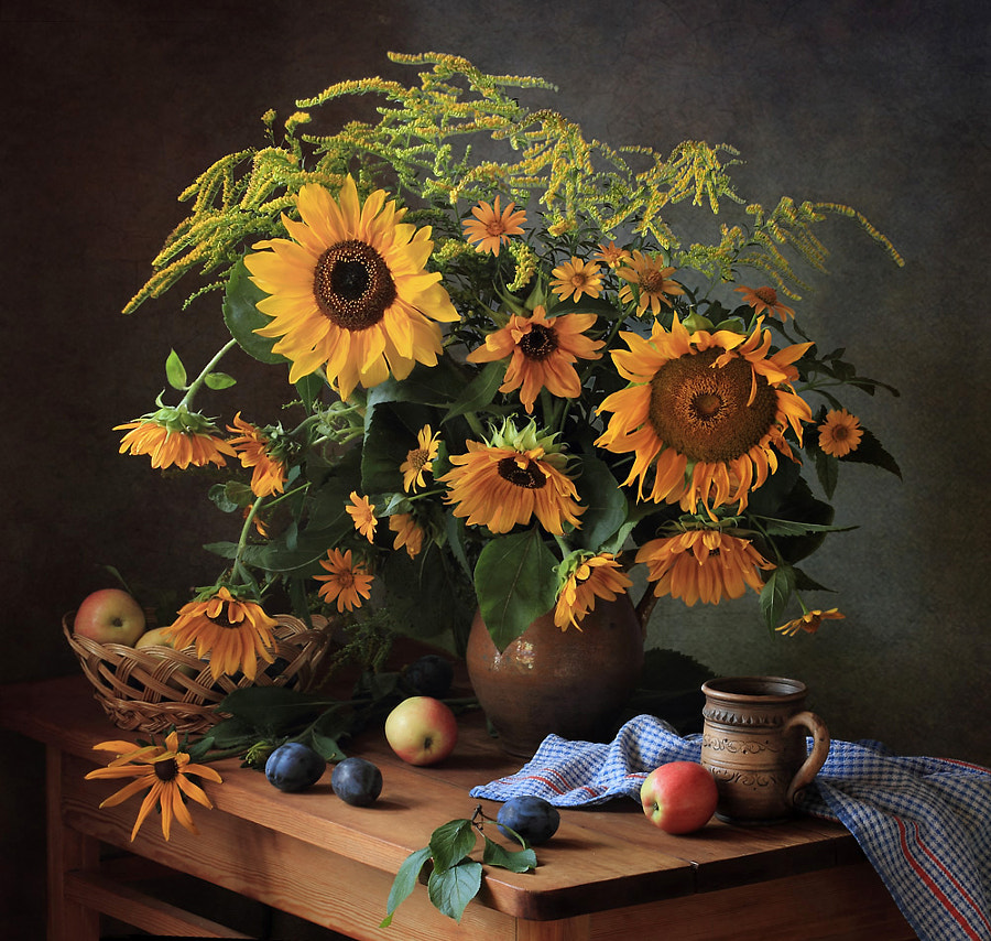 Summer still life with sunflowers, автор — Tatiana Skorokhod на 500px.com