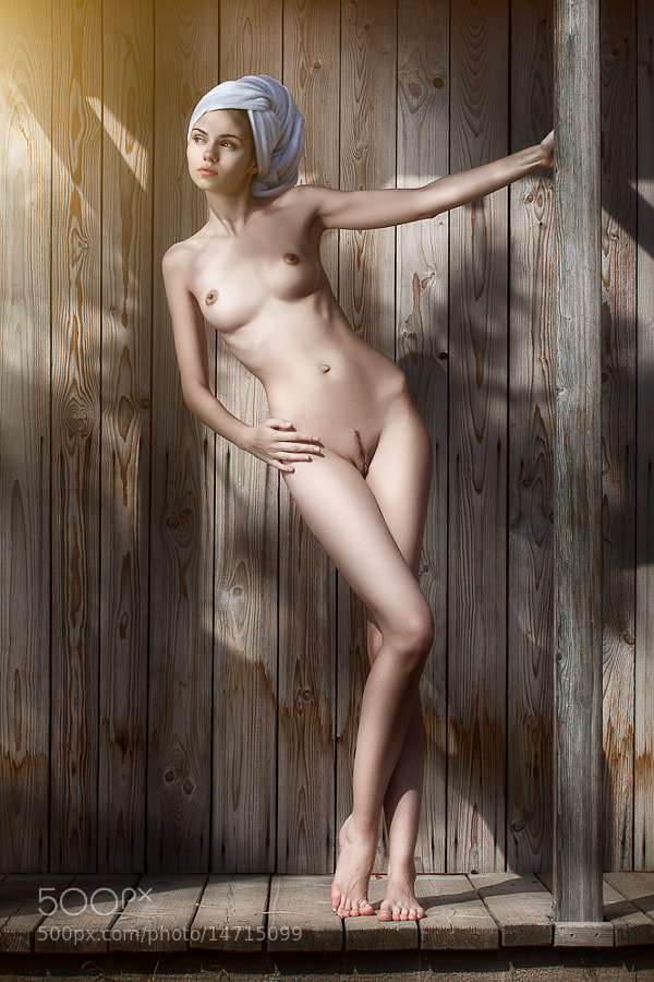 4 Erotic Women Nude Photos