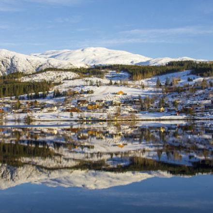 Mirroring fjord